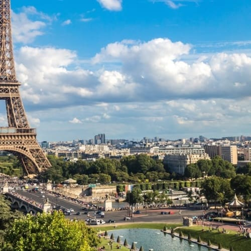 Blick auf den Eiffelturm in Paris
