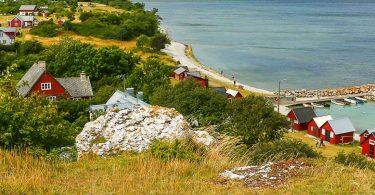 Gesichte und Natur hautnah: das Gotland-Wikingerdorf in Tofta