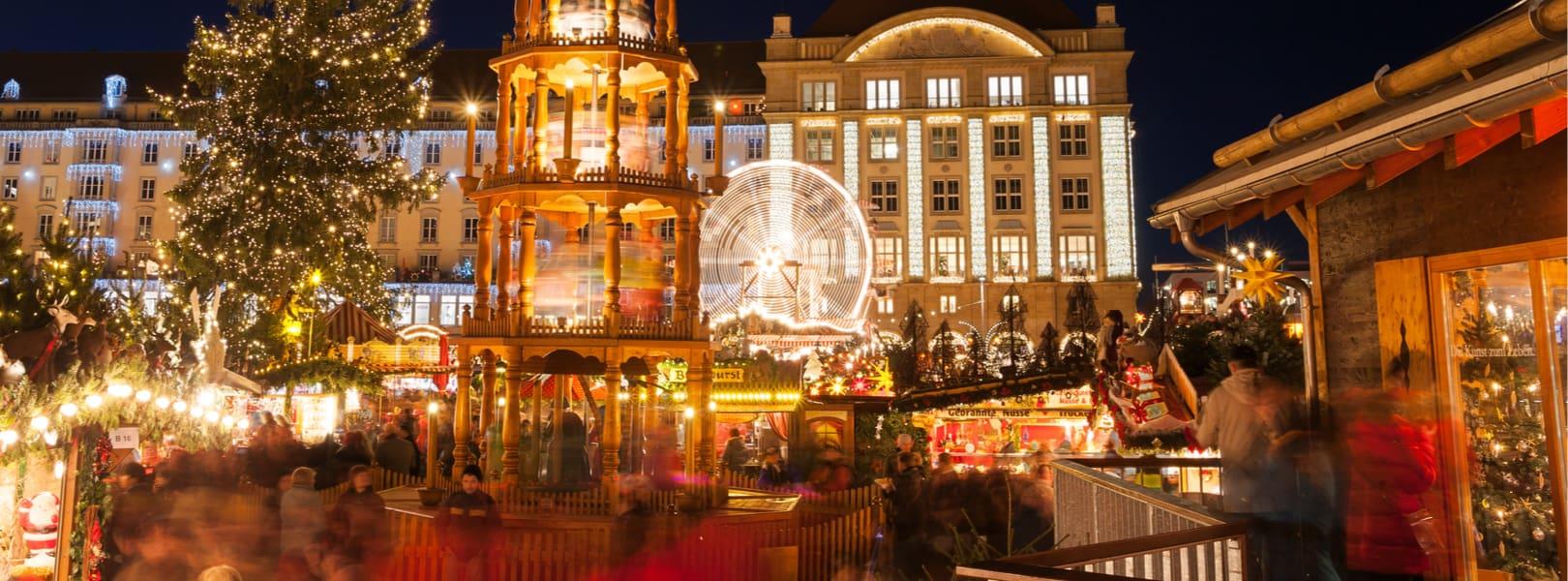 Blick auf den Dresdener Weihnachtsmarkt