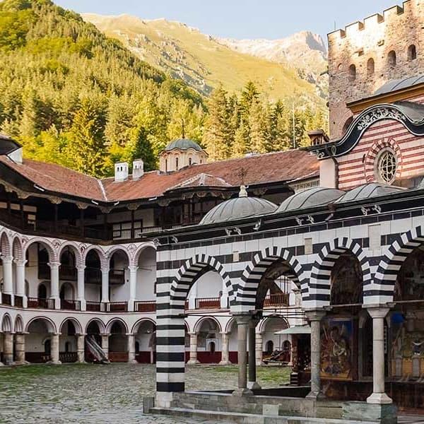 Besuchen Sie das Rilakloster in Bulgarien