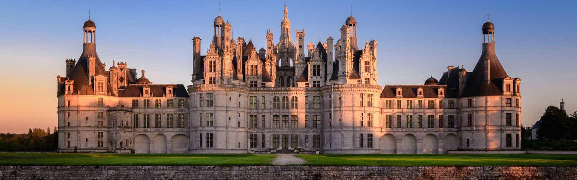 Besuchen Sie das größte Schloss der Region Loire: Chateau de Chambord in Frankreich
