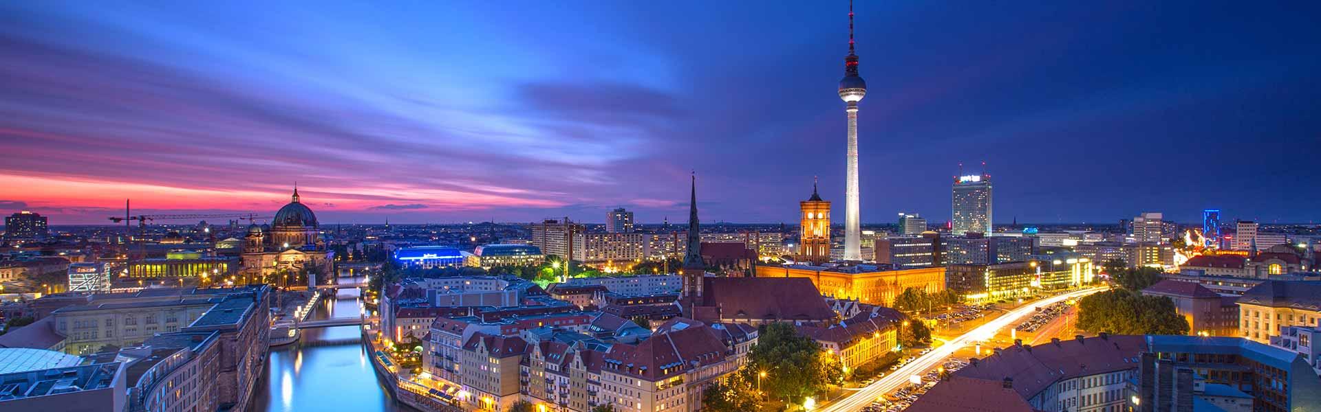 fernsehturm berlin ist das h chste bauwerk deutschlands. Black Bedroom Furniture Sets. Home Design Ideas