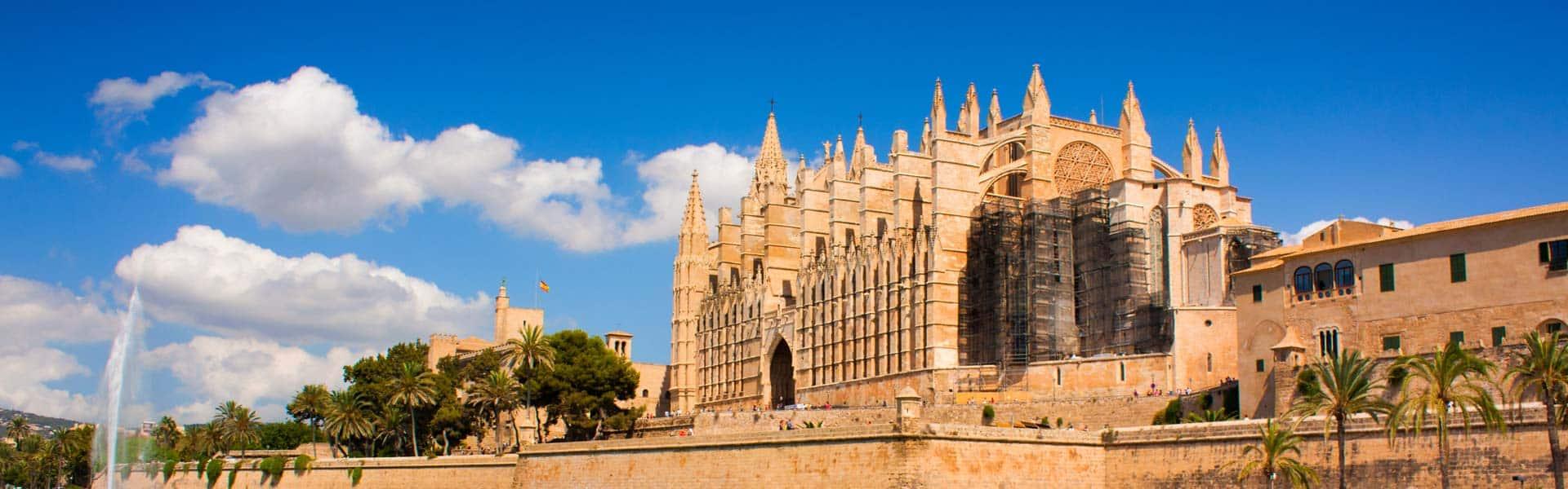 Altehrwürdig und beeindruckend schön: die Kathedrale La Seu in Palma de Mallorca