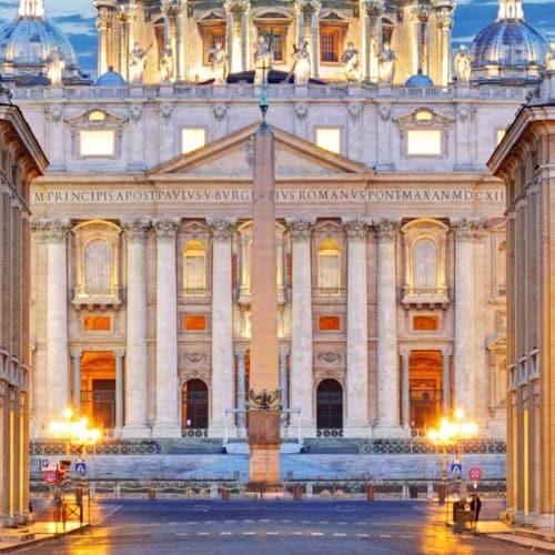 Heilige Stätte, sakrale Geschichte, Grabstätte von Petrus, des ersten Papstes der christlichen Geschichte: Der Vatikan in Rom