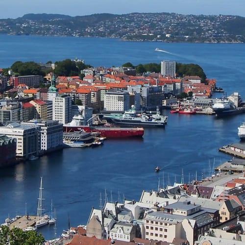 Norwegen Sehenswürdigkeiten - Überlick von der Stadt Oslo in Norwegen