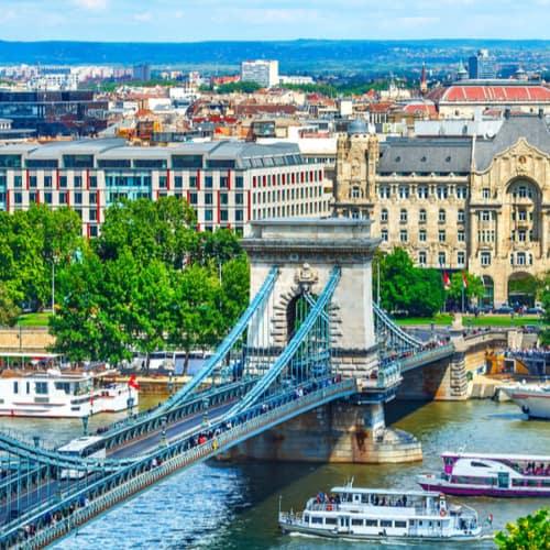 Stadt Budapest mit der Kettenbrücke