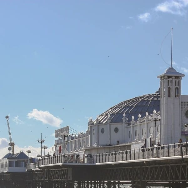 Blick auf den Brighton Pier England
