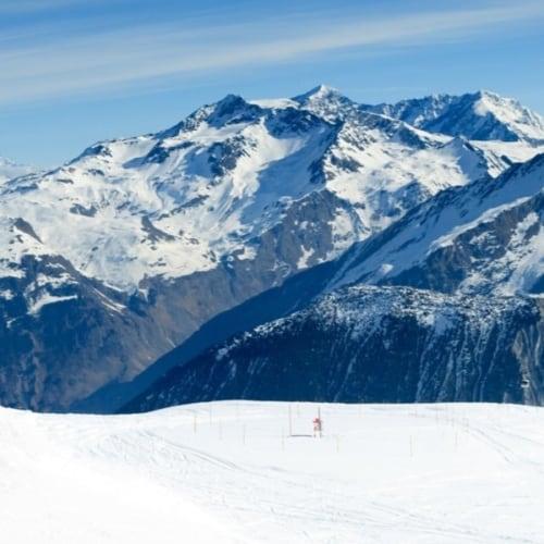 Blick auf die französichen Alpen - Ski Schnäppchen